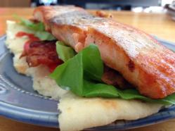 salmon blt over garlic naan